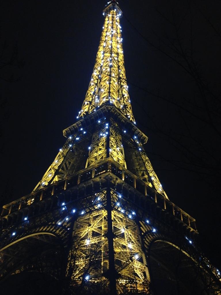 torre-Eiffel-noche